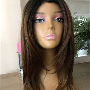 BROWN STRAIGHT NATURAL LAYERED PARTED WIG